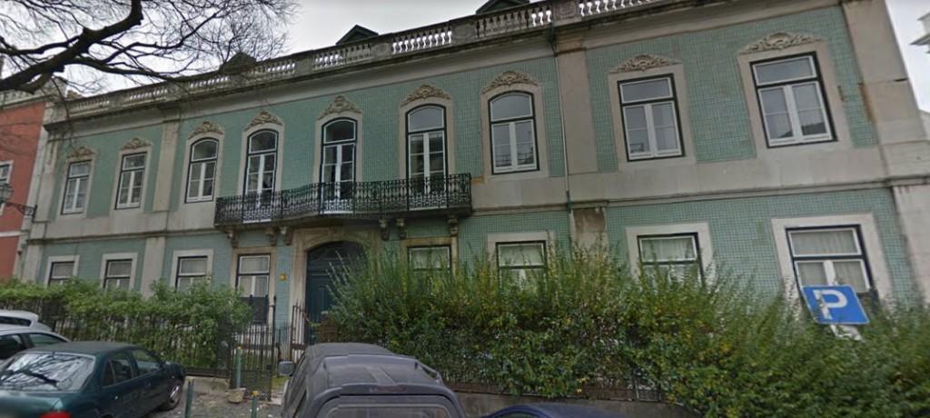 1a55592994 As casas de Monica Bellucci e Christian Louboutin em Lisboa